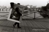 Ref Paris 11 – Mona Lisa on the Pont des Arts