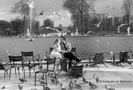Ref Paris 19 – Lovers at the Tuileries garden
