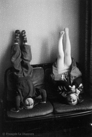Ref ELSEWHERE 15 – The Upside-down Sisters. Berlin, Germany