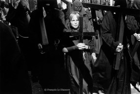 Ref CHRISTUS 8 – A young penitent girl during the religious procession in Furnes, Belgium
