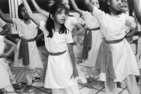 Ref India 14 – Young girls learning the Bharata-nayan dance, Cochin, Kerala, India