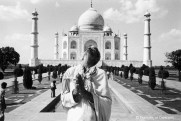 Ref India 19 – Man praying in front of the Taj Mahal, Agra