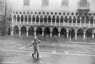 Ref VENICE 10 – Pierrot running in the snow in front of the Doge's Palace