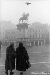Ref VENICE 20 – Women in furs with statue of Corleone