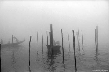 Ref VENICE 24 – Gondolas in the fog