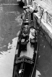 Ref VENICE 28 – A couple in gondola