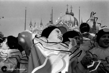 Ref VENICE 4 – Little girl in Pierrot costume in front of Saint Mark's Basilica