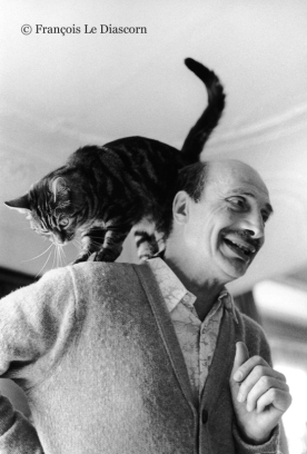 Edouard Boubat with his cat 1984 © François Le Diascorn